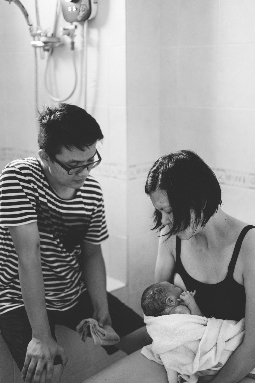 Malaysia-Family-Lifestyle-Water-Birth-New-Born-Photographer-Inlight-Photos-Joshua-QY0010