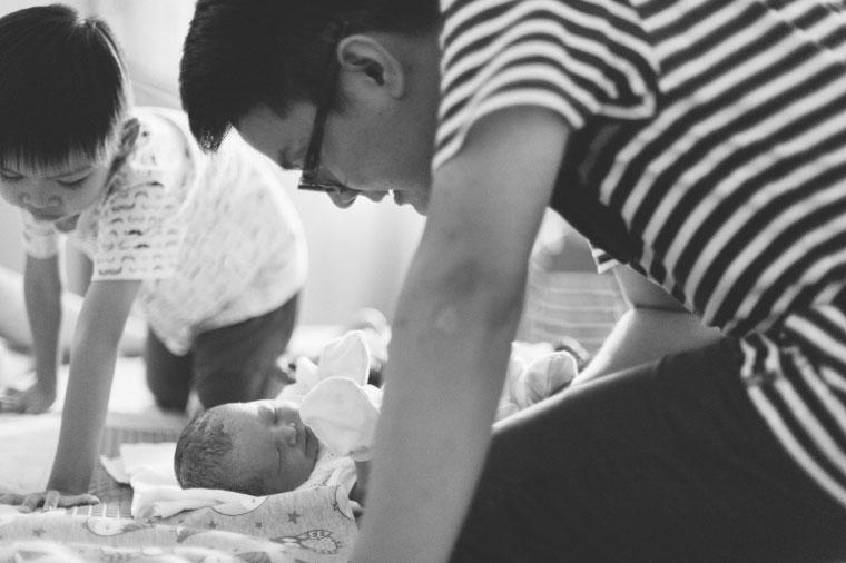 Malaysia-Family-Lifestyle-Water-Birth-New-Born-Photographer-Inlight-Photos-Joshua-QY0014